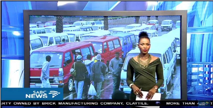 Un parking de stationnement des taxis collectifs en Afrique du Sud (capture d'écran).