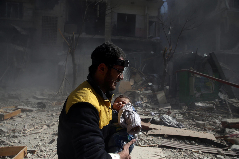 Ghouta: mais de 70 crianças mortas nos bombardeios da aviação síria.