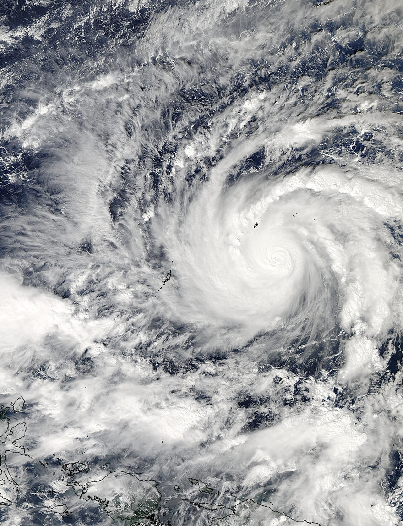 Imagem de satélite da Nasa mostra o tufão Hagupit que atingiu o leste das Filipinas neste sábado (6).