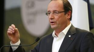 فرانسوا اولاند، رییس جمهور فرانسه، در اجلاس گروه ٨