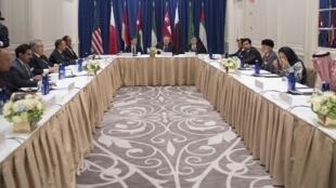 مایک پمپئو، وزیر امور خارجه آمریکا، در نیویورک در نشستی با وزرای امور خارجه عربستان سعودی، قطر، بحرین، امارات متحده عربی، کویت، عمان، اردن و مصر