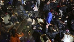 Cảnh hỗn loạn tại đại lộ Bund ở Thượng Hải đêm giao thừa 31/12/2014 làm 36 người thiệt mạng.