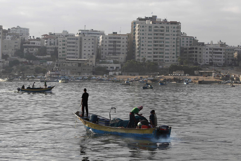 Dân chài Palestin tận dụng hưu chiến kéo dài thêm 72 giờ ra khơi đánh bắt cá ngày 11/8/2014.