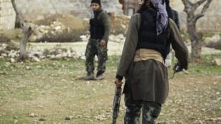 Des membres du Front al-Norsa photographiés le 28 janvier 2014 près d'Alep.