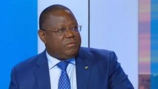 Capture d'écran France 24 de Emmanuel Issoze-Ngondet, ex-ministre des Affaires étrangères gabonais interviewé par France 24 en janvier 2015.