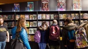 Le 44e Festival de bande dessinée d'Angoulême est l'occasion de découvrir de nombreux dessinateurs, le 28 janvier 2017.
