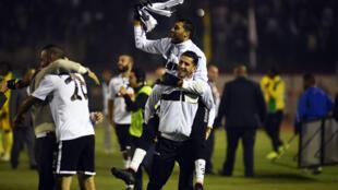 La joie des joueurs de l'ES Sétif après avoir remporté la Ligue des champions africaines.