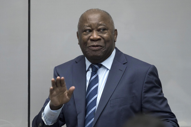 El expresidente de Costa de Marfil Laurent Gbagbo entra en la sala de audiencias de la CPI, el 15 de enero de 2019 en La Haya