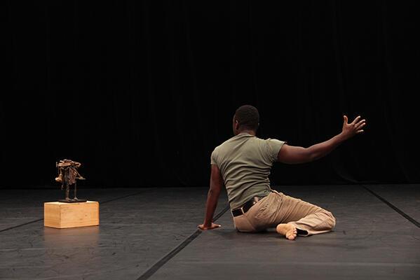 Un solo à deux. Auguste Ouédraogo dans «Errances».