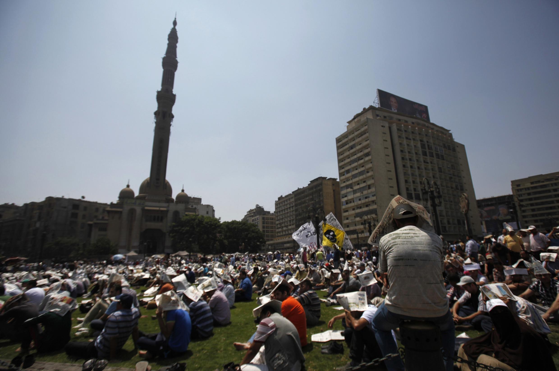 Phe ủng hộ Morsi tọa kháng tại quảng trường Ramsès 16/08/2013 - REUTERS