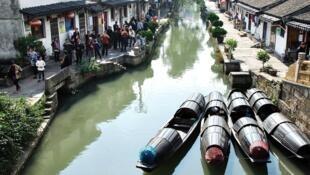 紹興一種水船市景