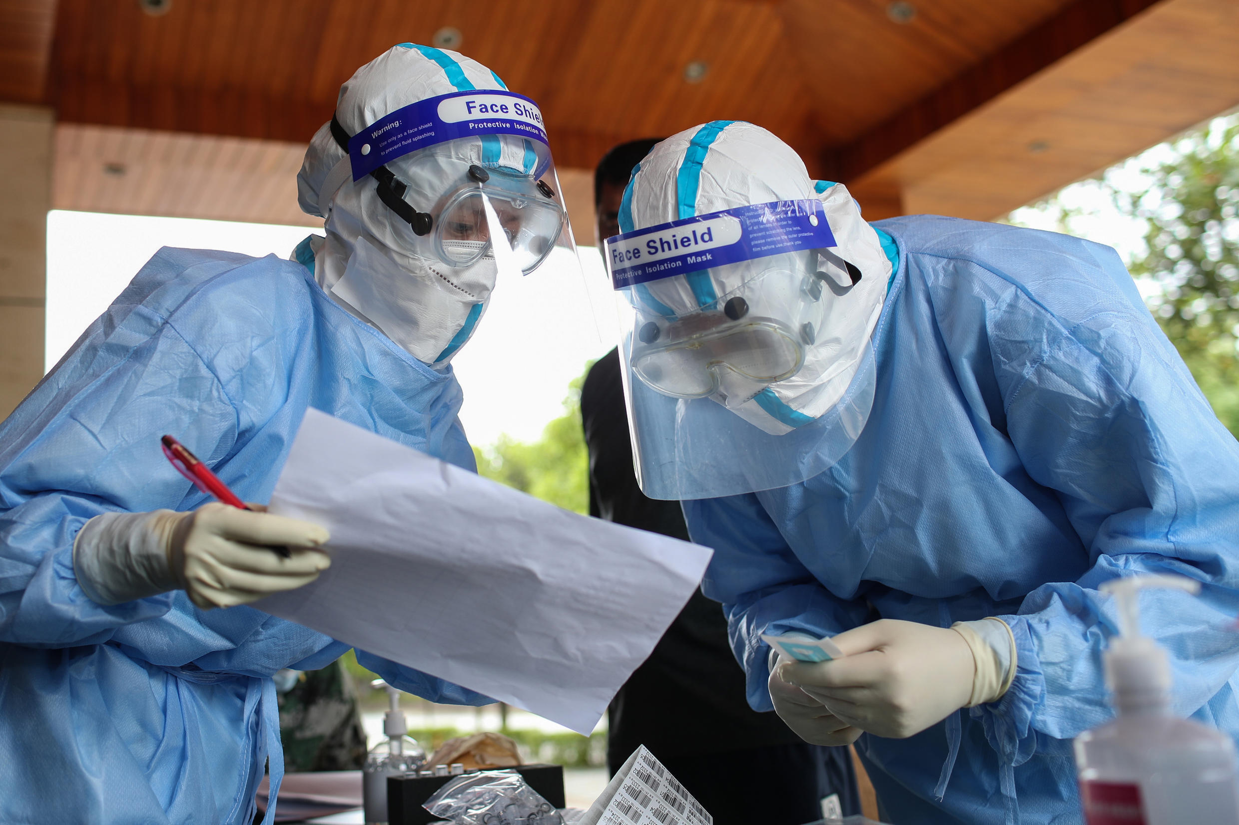 """Ruili will test all its residents for the virus, and everyone will go under """"home quarantine"""" for a week"""