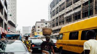 Embouteillages dans les rues de Lagos, Nigeria.