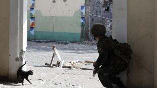 Un soldat gouvernemental de la Task Force Zamboanga (TFZ) à Zamboanga City, le 16 septembre 2013.