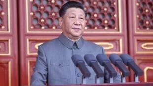 中共总书记习近平在中共百年党庆大会上发表讲话。