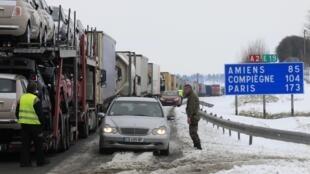 Des problèmes de circulation sur les autoroutes ont été constatés sur plusieurs autoroute du nord de la France; ici l'A2, 13 mars 2013.