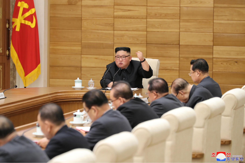 Lãnh đạo Bắc Triều Tiên Kim Jong Un trong cuộc họp Ban Chấp Hành TW đảng Lao Động Triều Tiên, Bình Nhưỡng. (Ảnh do KCNA công bố ngày 09/04/2019)
