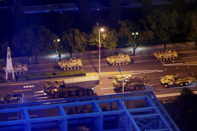 Xe cơ giới tập dượt chuẩn bị diễn binh ngày quốc khánh tại Bắc Kinh ngày 14/09/2019.