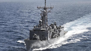 The Oliver Hazard Perry-class guided-missile frigate USS Rodney M. Davis (FFG 60) transits the Indian Ocean