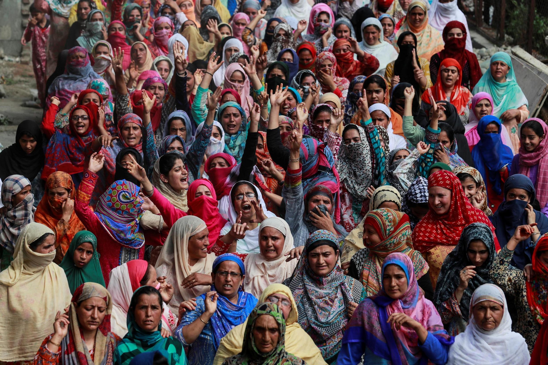 克什米爾女人在街頭抗議