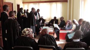 Juges et avocats assistent à une audience de renvoie au Palais de justice de N'Djamena, quartier N'Djari, Tchad, le 28 octobre 2019.