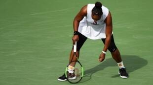 Serena Williams says she felt dizzy and tired during her match against Garbine Muguruza.