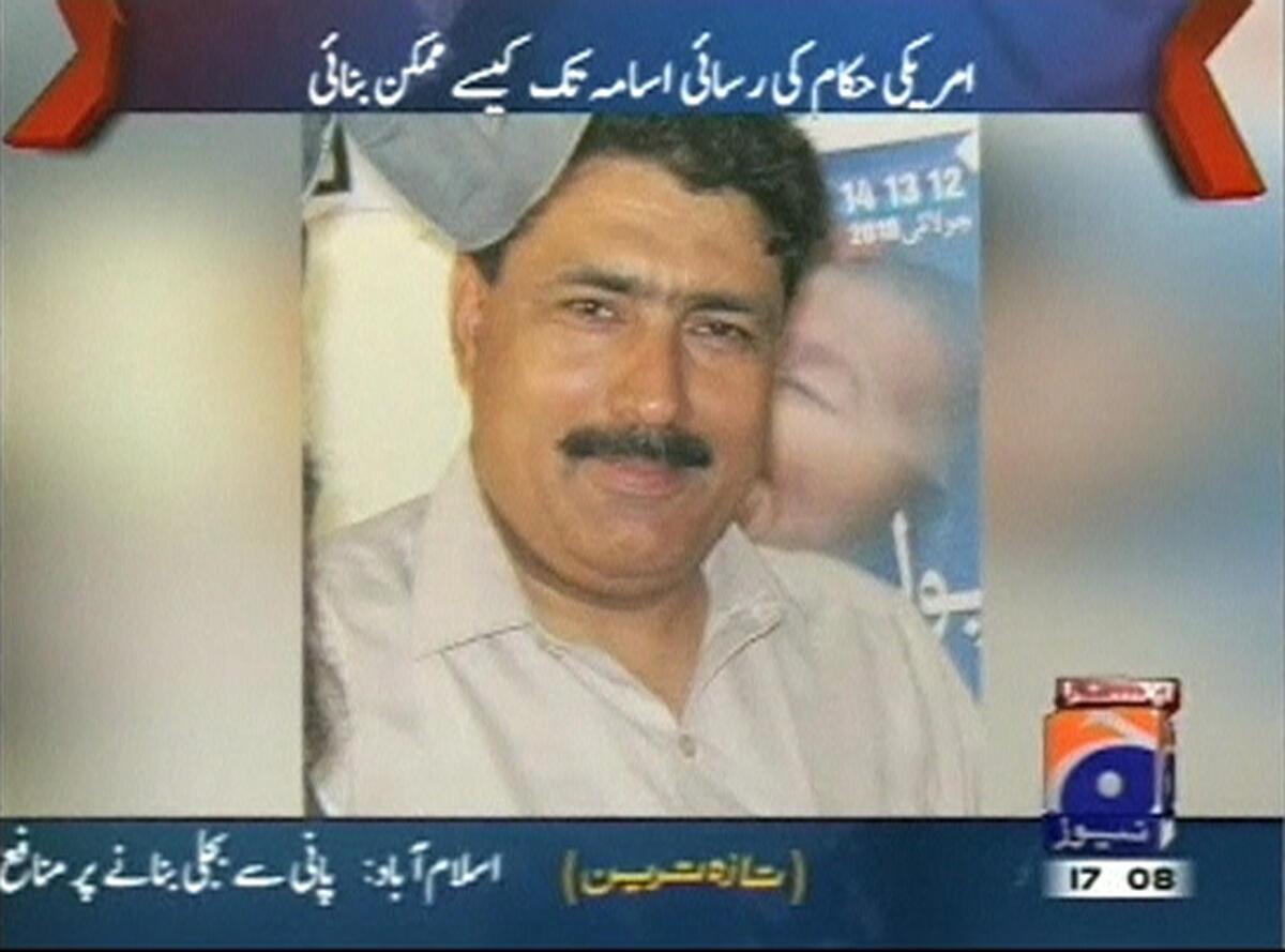 Bác sĩ Shakeel Afridi giới thiệu chiến dịch tiêm chủng trên truyền hình Pakistan.