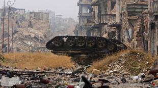 O regime sírio está prestes a retomar o controle completo de Aleppo das mãos dos rebeldes.