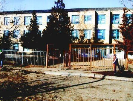 Здание школы, в которой работал Сидикуллах Ахмедов