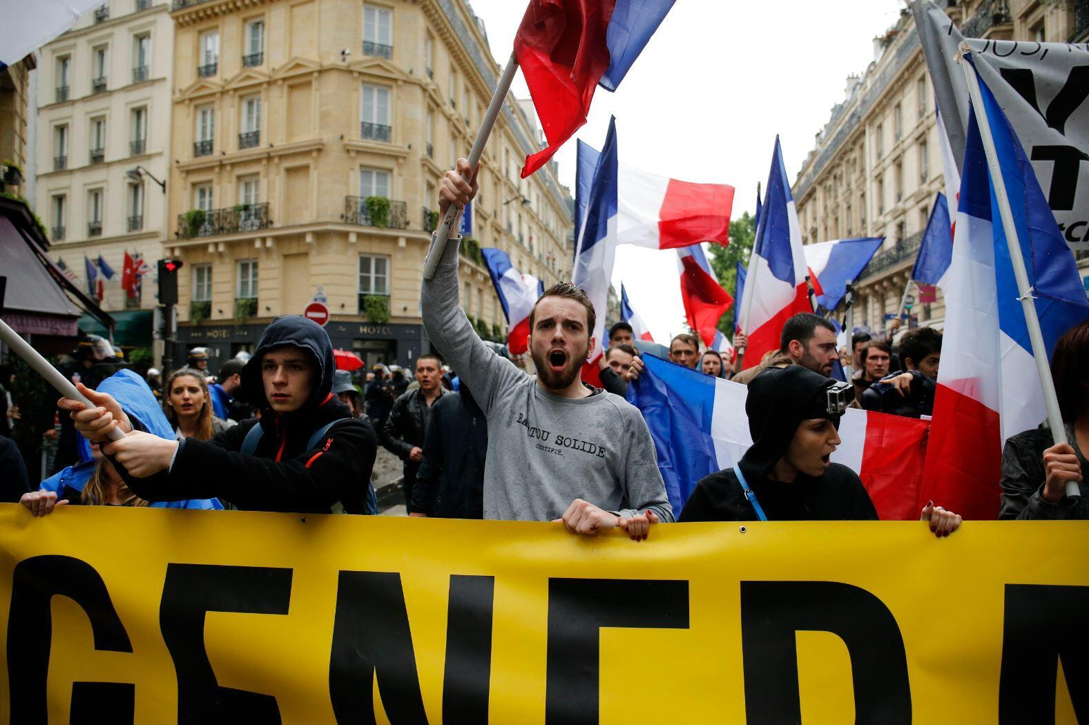 Manifestação do grupo de extrema direita Génération Identitaire em 2016, em Paris.