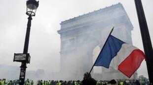 La place de l'Etoile, à Paris, est le point le plus sensible de la mobilisation de ce samedi 1er décembre 2018.
