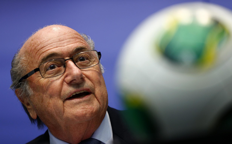O presidente da Fifa, Joseph Blatter, se diz confiante sobre a finalização dos estádio antes do início da Copa de Mundo.