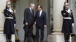 Double séminaire, sur l'emploi et sur la situation économique, pour François Hollande et Jean-Marc Ayrault, ce vendredi 4 janvier 2013.
