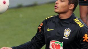 Thiago Silva deixou a Milan em 2012, atraído pelas vantagens oferecidas pelo Paris Saint-Germain