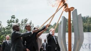 Cerimónias dos 25 anos do genocídio de tutsis e hutus moderados por hutus extremistas no Ruanda