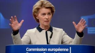 Trong một cuộc họp báo, chủ tịch Ủy Ban Châu Âu Ursula von der Leyen phê phán một số nước châu Âu đơn phương đóng cửa biên giới, để chống Covid-19, Bruxelles, le 13 mars 2020.