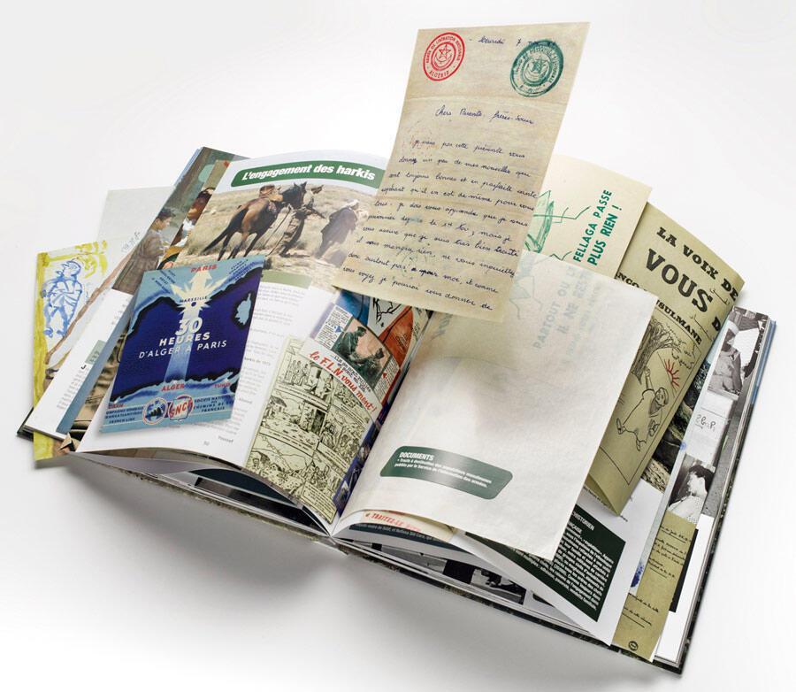 Pages intérieures : le livre propose de nombreux fac-similés de documents d'époque.