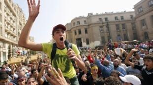 Manifestação estudantil de apoio ao presidente islamita deposto, Mohamed Mursi nesta segunda-feira 4 de novembro de 2013.