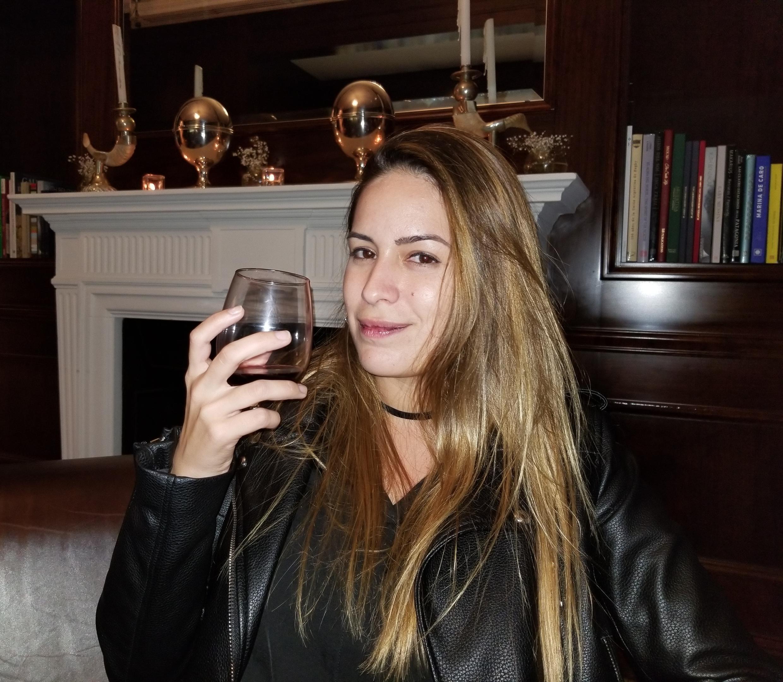 A advogada carioca, Mariana Tostes (25), que chegou há três meses da Itália para morar na Argentina e queria conhecer como são os vinhos argentinos. Esse evento foi crucial para a descoberta.