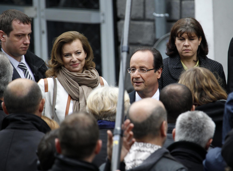 Франсуа Олланд и его спутница жизни Валери Триервайлер le 6 mai 2012.