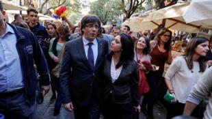 本周六走上巴塞羅那街頭的普伊格德蒙特與夫人資料圖片