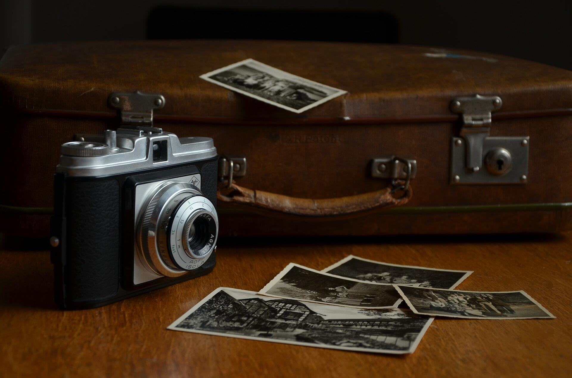Photos et appareils photo argentiques.