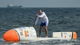 Nicolas Jarossay is trying to become 1st person to cross Atlantic solo - on stand-up paddle