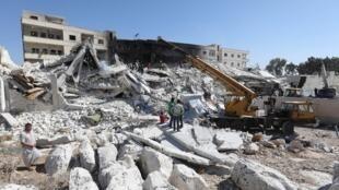 به گزارش دیدبان حقوق بشر سوریه که امروز منتشر گردید، در انفجاری که روز گذشته در یک انبار اسلحه در ادلب رخ داد، ۶٩ تن کشته شدند.