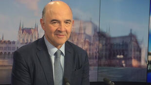 Pierre Moscovici said that French President Emmanuel Macron must reduce France's deficit.
