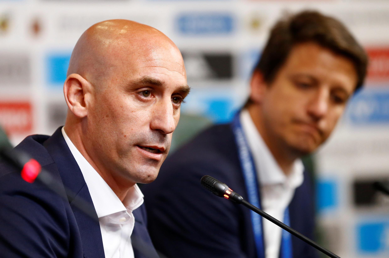 el presidente de la Real Federación Española de Fútbol (RFEF) Luis Rubiales anuncia la destitución del Lopetegui, el 13 de junio de 2018 en Krasnodar, Rusia.