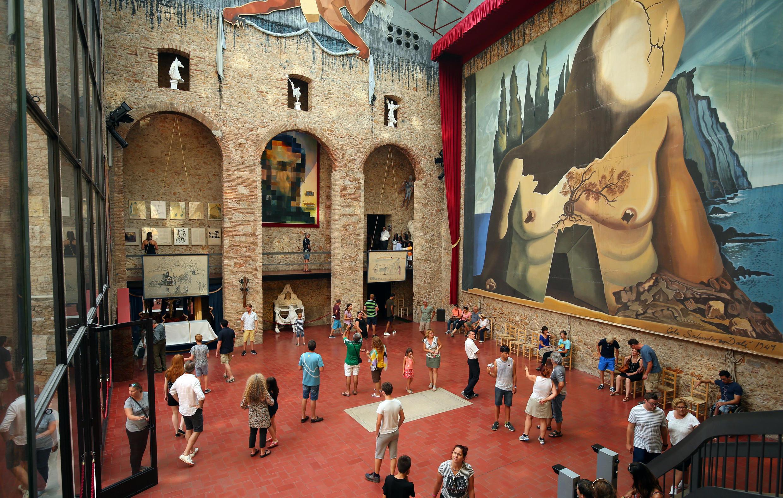 Могила Дали в Театре-музее его имени в испанском Фигерасе.