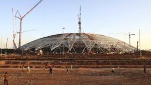 Sân vận động Samara, trong quá trình xây dựng năm 2017, sẽ phục vụ Cup Bóng đá Thế giới 2018 tại Nga.