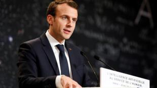 El presidente francés Emmanuel Macron delinea el plan de su gobierno durante el evento Inteligencia Artificial para la Humanidad en París, Francia, el 29 de marzo de 2018.