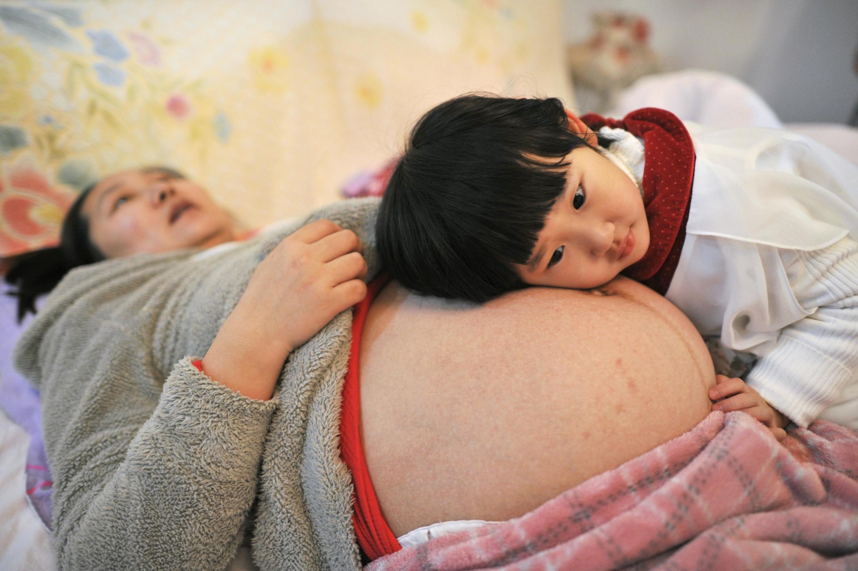 Explosão de grávidas desafiam a capacidade dos hospitais de Pequim.